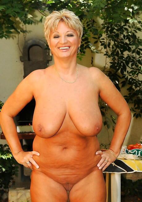 BBW Mature Tits Pics