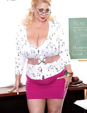 BBW Teacher Pics