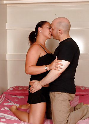BBW Kissing Pics